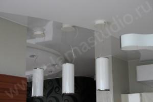 Как избежать проблем при установке полотна натяжного потолка?