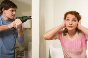 Как избавиться от шумных соседей? Звукоизоляция натяжных потолков.